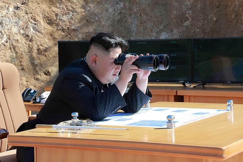 4 июля. КНДР объявила о запуске межконтинентальной баллистической ракеты. Ракета пролетела 933 км, достигнув высоты 2802 км. Официальный Пхеньян заявил, что теперь «способен нанести удар по любой точке мира»