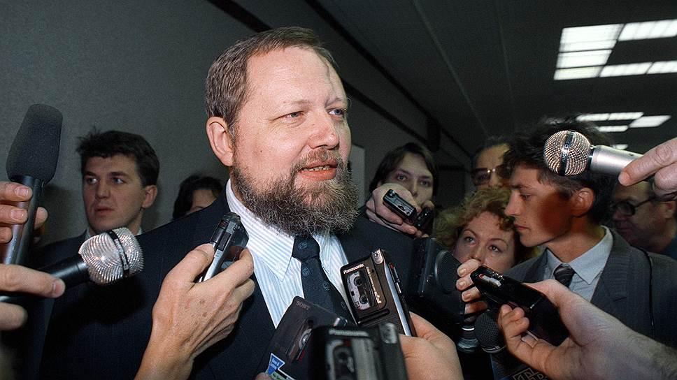 Председатель ЦБ Сергей Дубинин опровергал слухи о деноминации всего за три недели до ее официального объявления