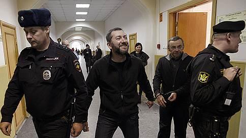 Топ-менеджеров «Реновы» и «Т Плюс» выпустили из СИЗО  / Суд решил освободить из-под стражи Евгения Ольховика и Бориса Вайнзихера