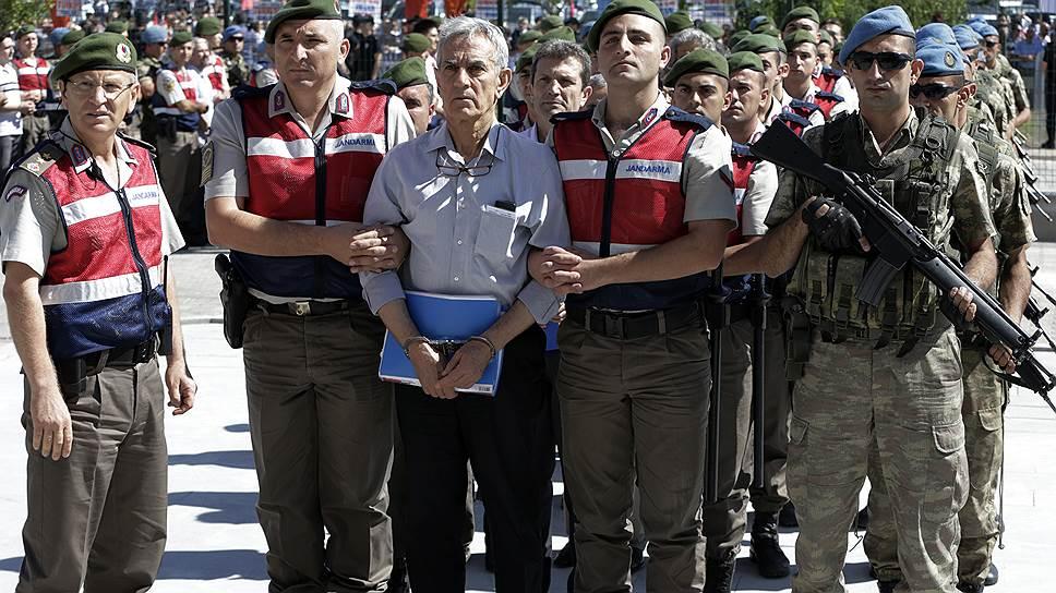В Анкаре начался ключевой процесс над обвиняемыми в попытке военного переворота