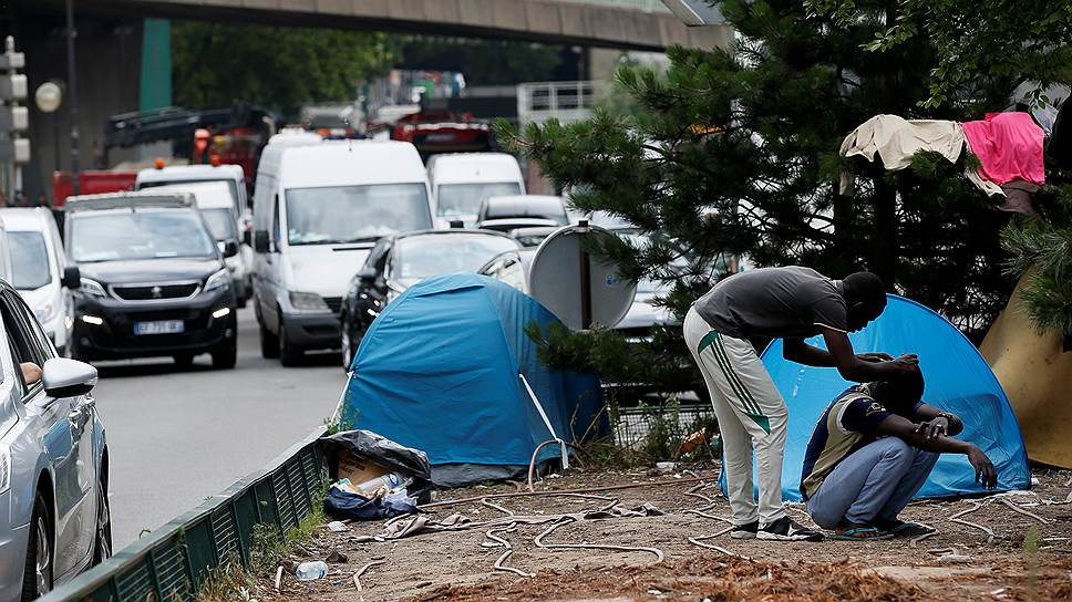 Как Франция хочет остановить миграцию
