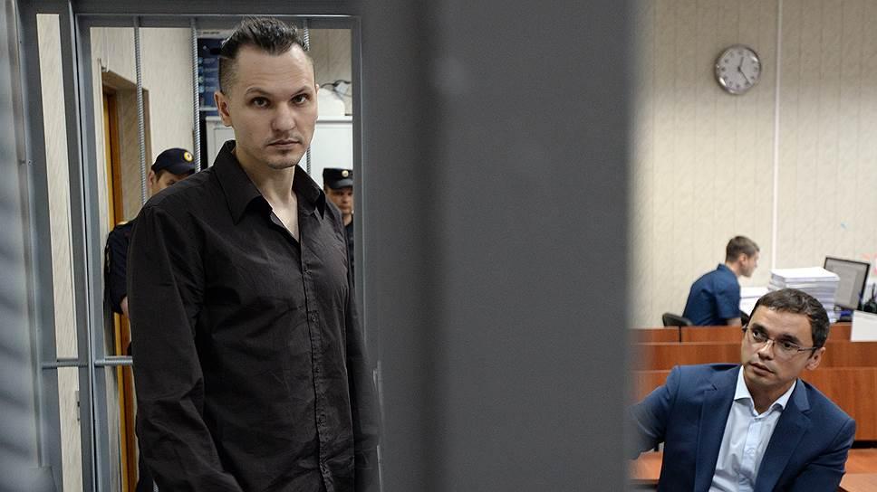Как Дмитрий Крепкин давал показания в суде