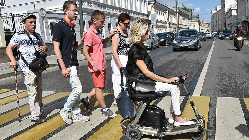 Как инвалиды оценивают благоустроенные улицы центра Москвы