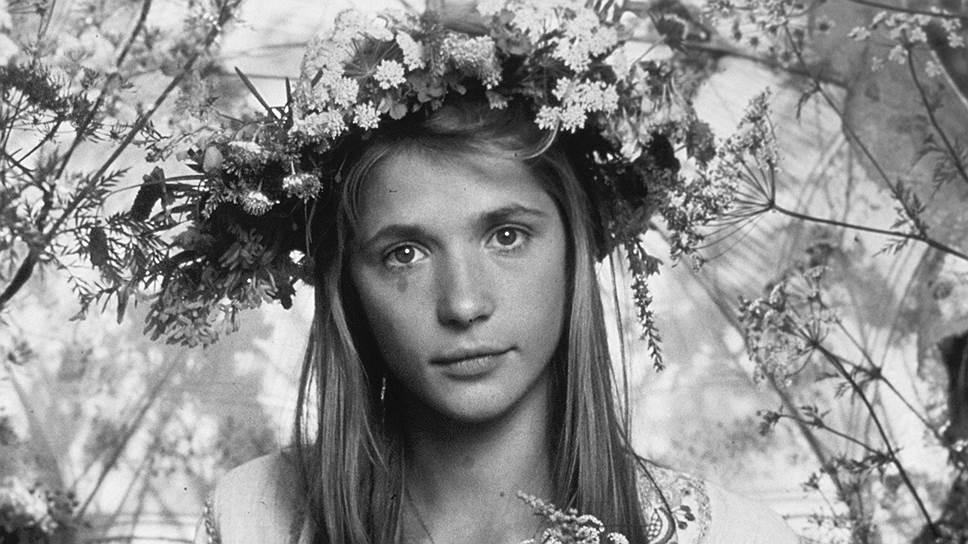«Главное — быть оптимистом по жизни, тогда все получается»  Вера Глаголева родилась 31 января 1956 года в Москве. В 1962–1966 годах жила в ГДР, где родители работали в школе при группе советских войск. В 1970-х годах переехала в Москву, где окончила среднюю школу.