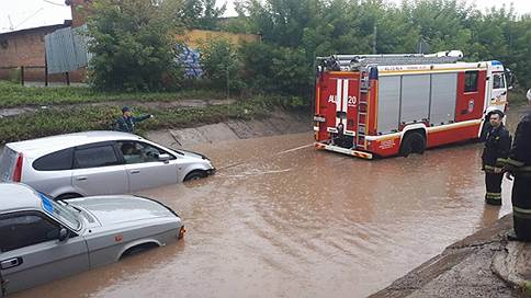 Красноярск устраняет последствия тропического ливня // У властей города есть вопросы к синоптикам