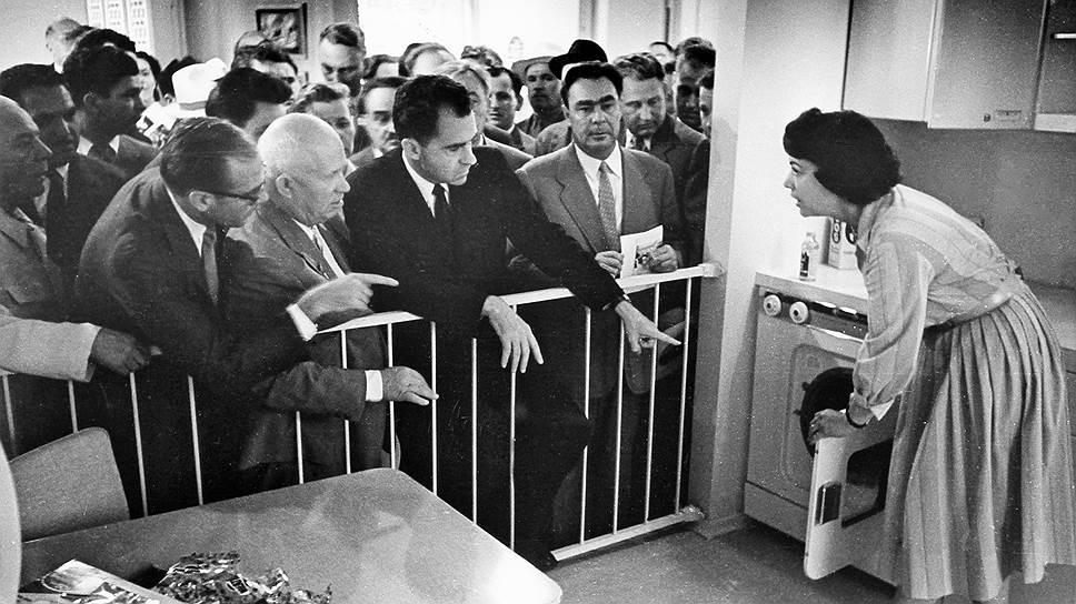 Председатель Совета министров СССР Никита Хрущев и вице-президент США Ричард Никсон в 1959 году получили возможность обсудить проблемы капитализма непосредственно в Сокольниках