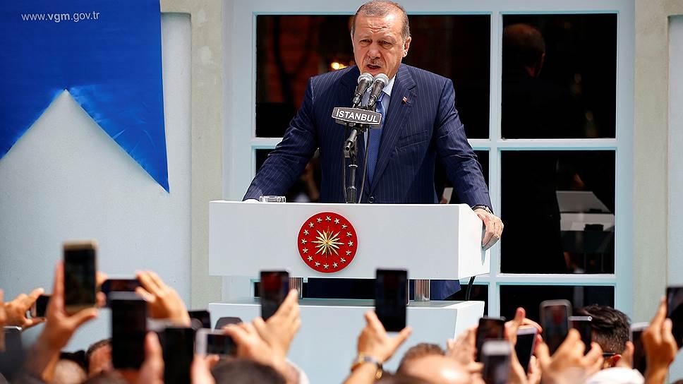 Почему турецкие власти уволили 928 чиновников