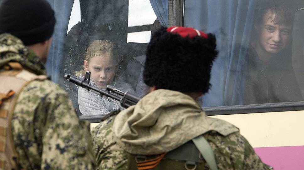"""Киев и Донбасс обвинили друг друга в срыве """"школьного перемирия"""""""