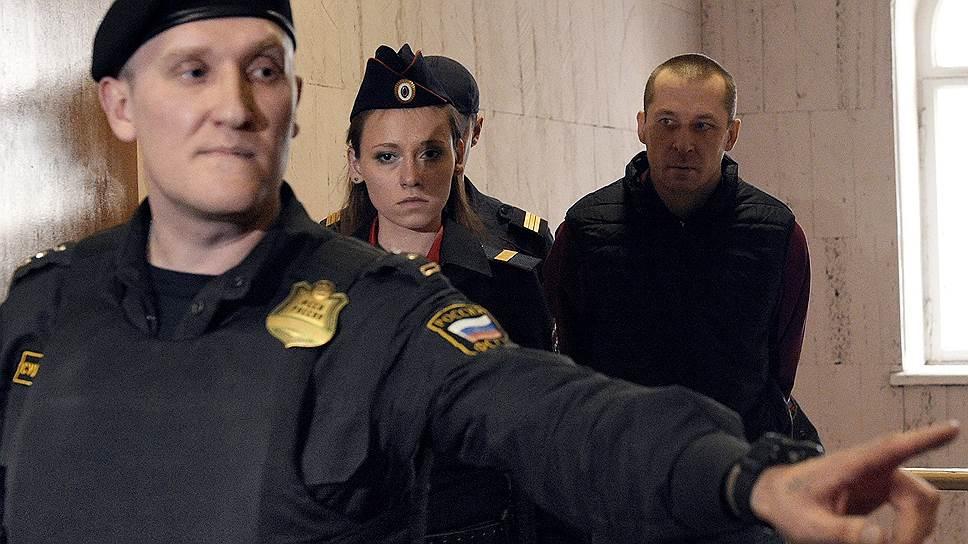 Как Дмитрию Захарченко добавили по месяцу ареста на три эпизода взятки