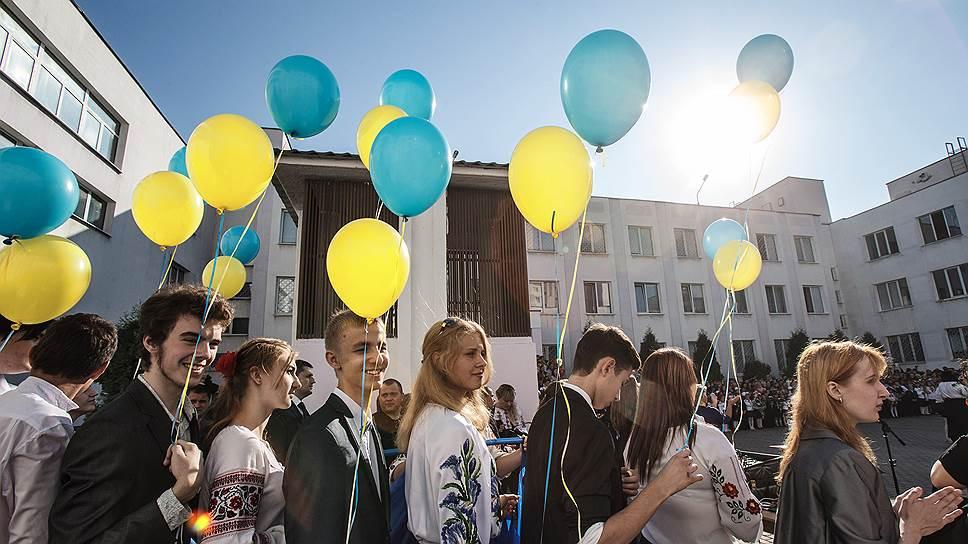 Почему в украинских школах не оставят ничего русского