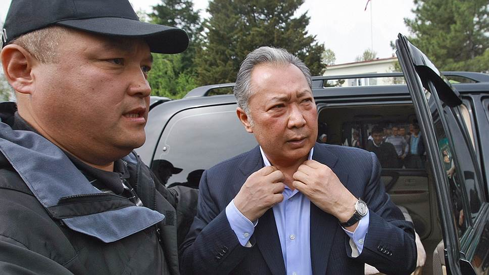 Бывший президент Киргизии Курманбек Бакиев (справа)