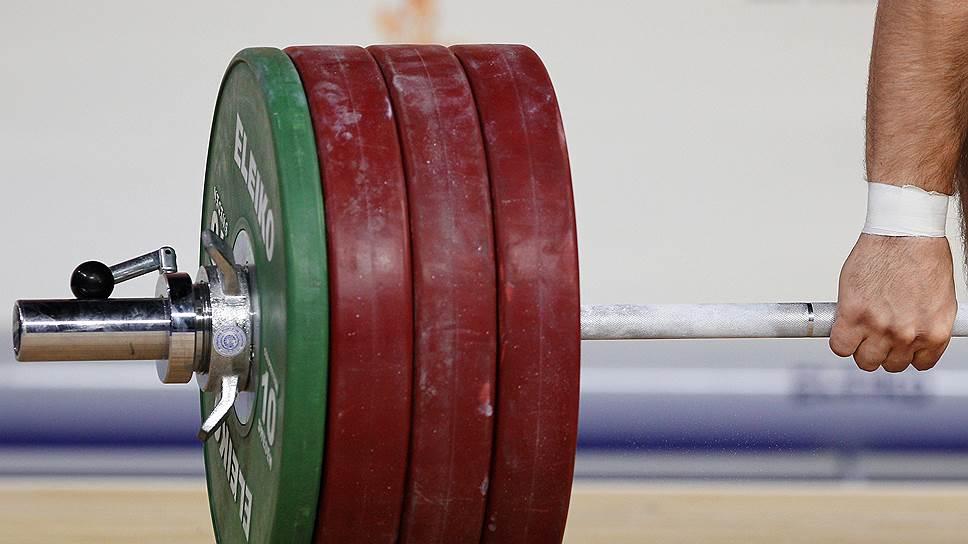Какие соревнования могут пропустить российские тяжелоатлеты