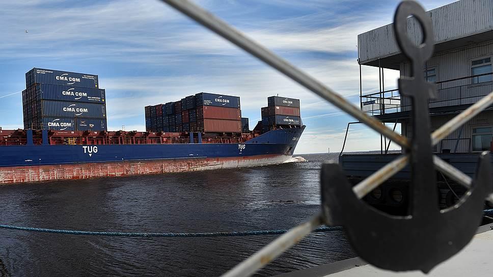 ФАС готова на отсрочку для портов при переходе на рублевые расчеты