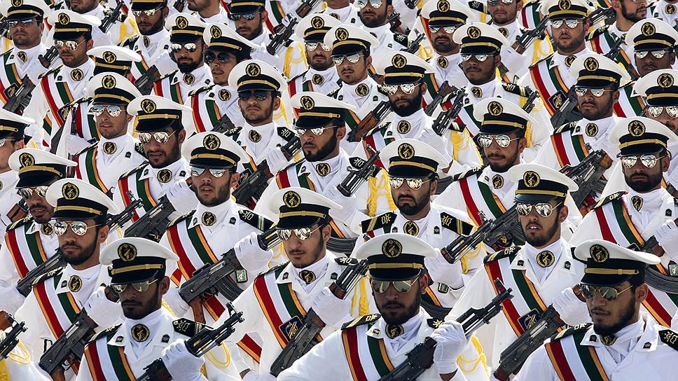Как президент Ирана пытался сократить влияние КСИР