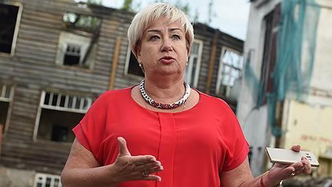 Ирина Петеляева потребовала отменить результаты выборов в Карелии // Она намерена оспаривать избрание Артура Парфенчикова в Центризбиркоме и суде