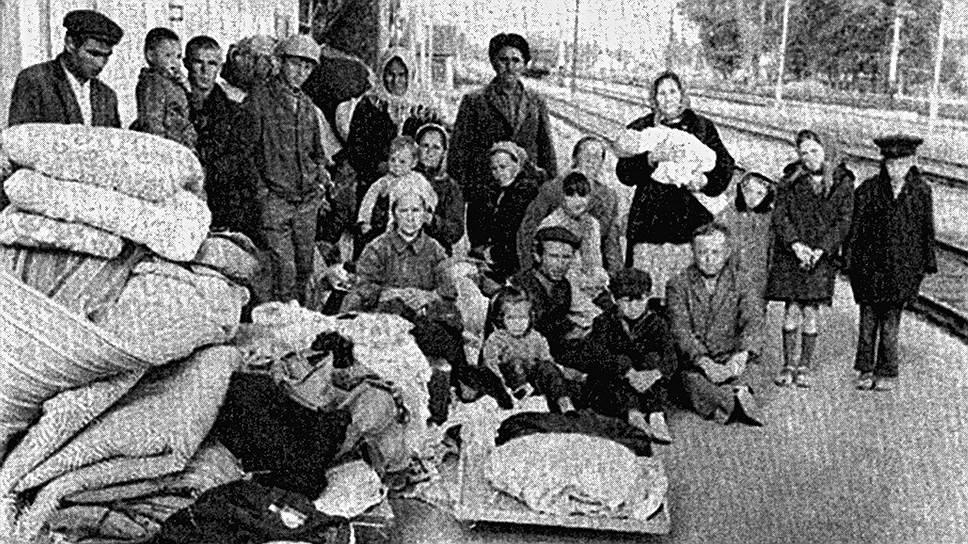 В 1944 году татарское население Крыма было депортировано, а вскоре после этого вся татарская топонимика была заменена славянскими названиями