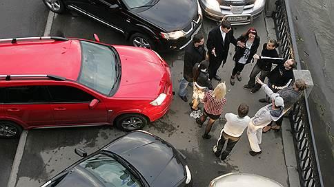 Машине — место // Почему парковок не хватит на всех