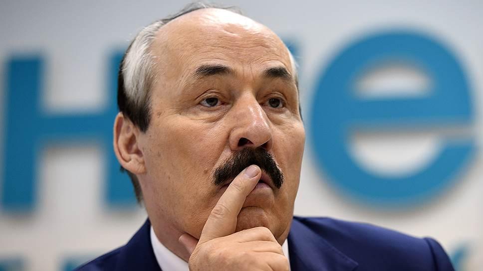 Как бывший глава Дагестана Рамазан Абдулатипов выступил перед местными депутатами