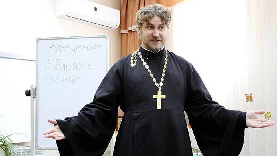 Святослав Шевченко из Благовещенска готов высказаться даже по поводу рэп-баттлов, но мнение его будет вполне консервативным («искусство должно возвышать, а не опускать!»)