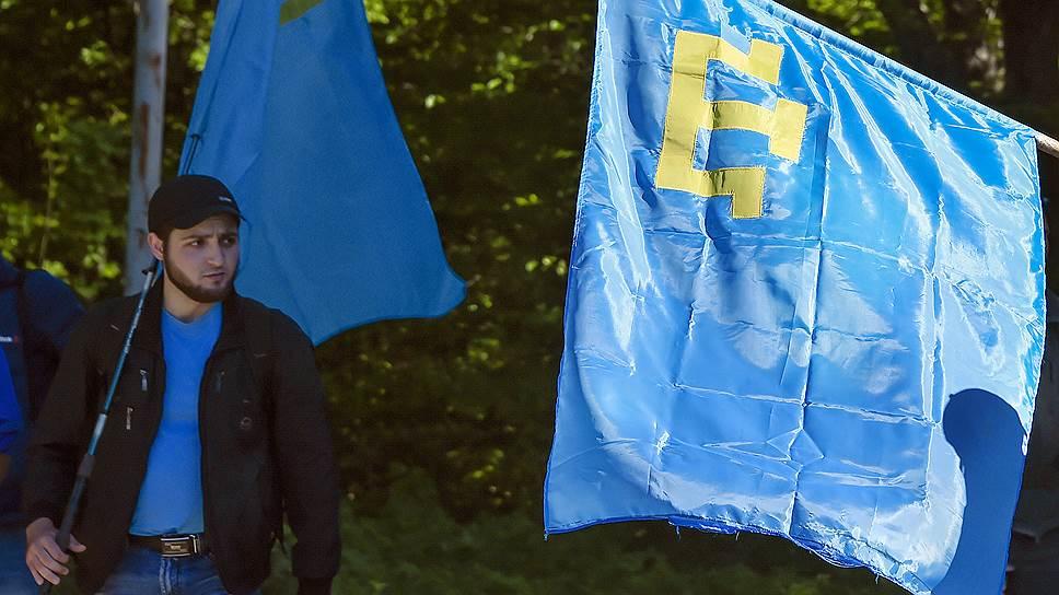 Почему крымские татары вышли на одиночные пикеты