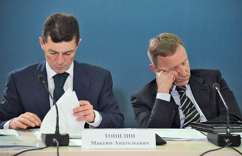 Министр образования и науки РФ Дмитрий Ливанов (справа) в Тульской области во время совещания по развитию паралимпийских и сурдлимпийских видов спорта, 2013 год