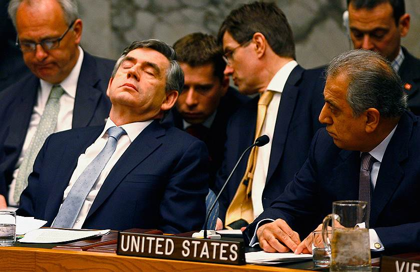 Премьер-министр Великобритании Гордон Браун (слева) на заседании Совета безопасности ООН в Нью-Йорке, 2008 год