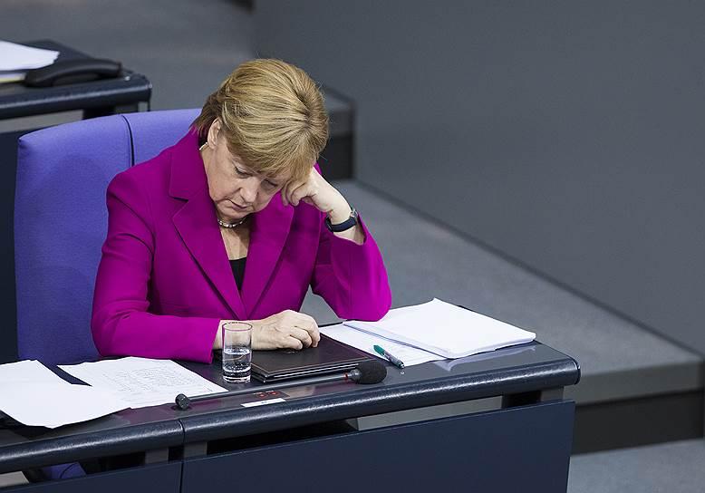 Канцлер Германии Ангела Меркель в Бундестаге, 2014 год