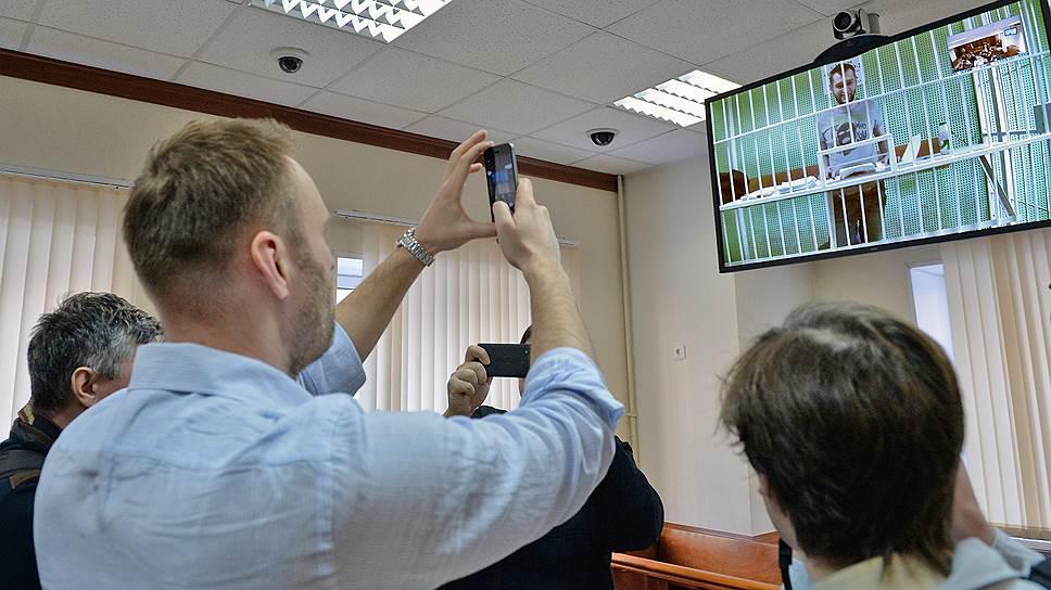 Почему в ЦИКе считают, что Алексей Навальный не имеет права выдвигаться