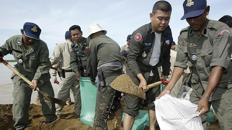 Вывоз песка из Камбоджи в Сингапур стал представлять угрозу для окружающей среды и был запрещен