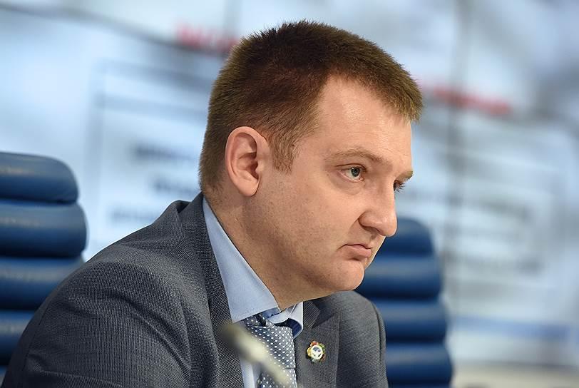 В марте 2017 года бывший руководитель идеологического отдела в московском региональном штабе МГЕР Александр Бугаев возглавил Федеральное агентство по делам молодежи (Росмолодежь)
