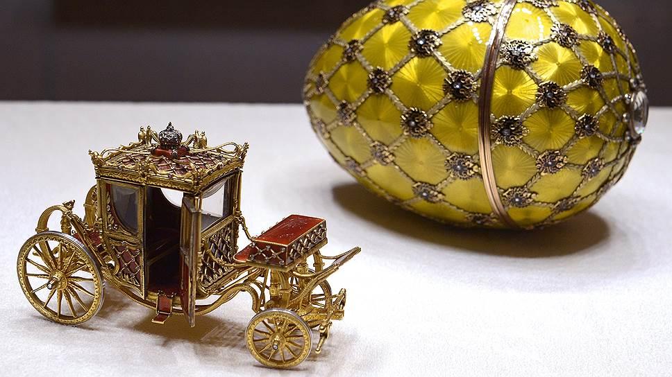 «Коронационное» пасхальное яйцо Фаберже успело четырежды сменить хозяев на Западе, прежде чем благодаря Виктору Вексельбергу оно вернулось в Россию