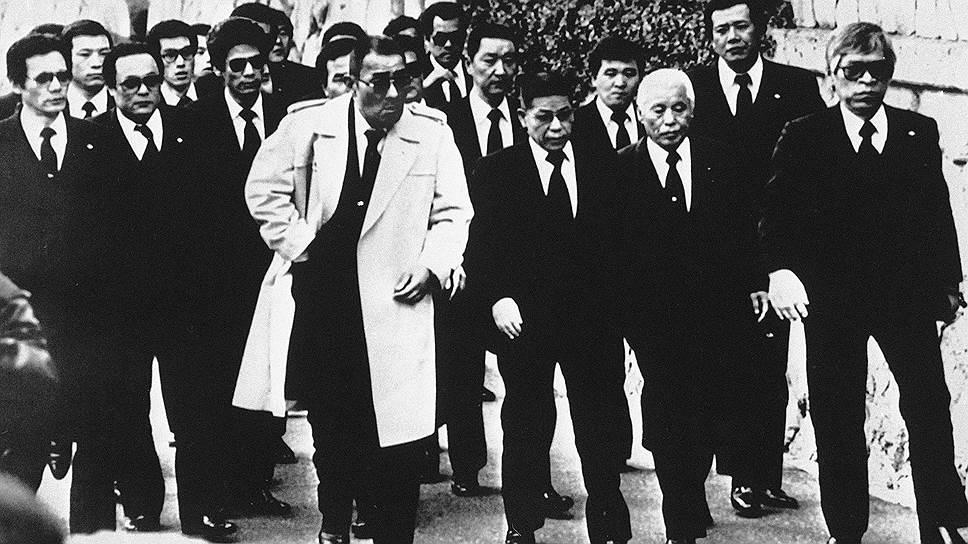 В 2015 году одна из старейших банд «Ямагути-гуми» отпраздновала столетний юбилей и раскололась на две банды