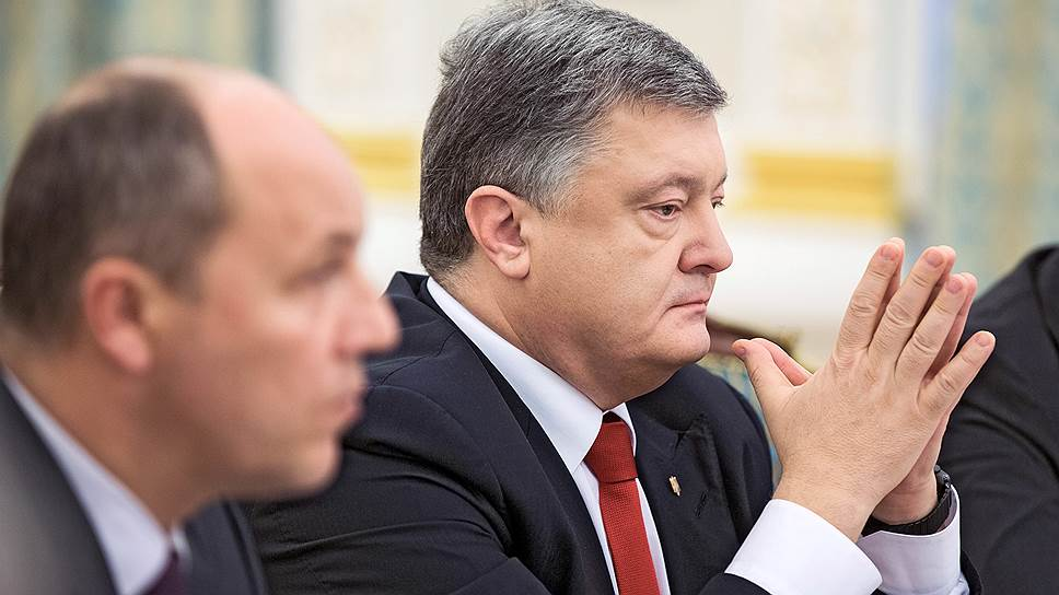 Председатель Верховной Рады Украины Андрей Парубий (слева) и президент Украины Петр Порошенко
