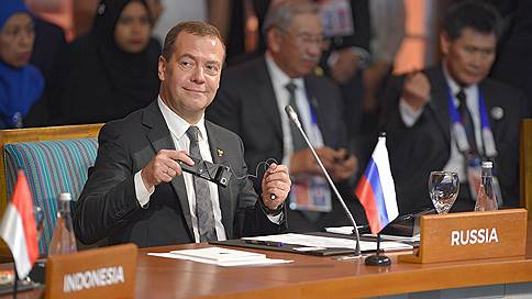 Торговлю с Асеан освободят от пошлин постепенно // Россия видит в ЗСТ с Сингапуром первый этап этого процесса