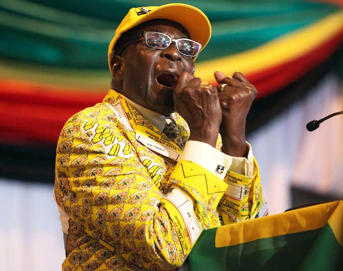 Роберт Мугабе скончался 6 сентября в Сингапуре, где, как сообщила его семья, проходил лечение от тяжелой болезни. Ему было 95 лет
