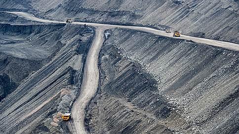 Страховщики отказываются от угля // Все больше компаний перестает работать с его добытчиками