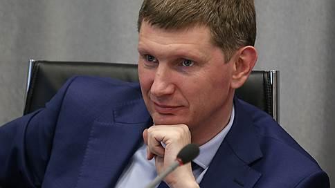 Пермский губернатор сэкономит на чиновниках // Максим Решетников ограничивает пенсии за выслугу лет