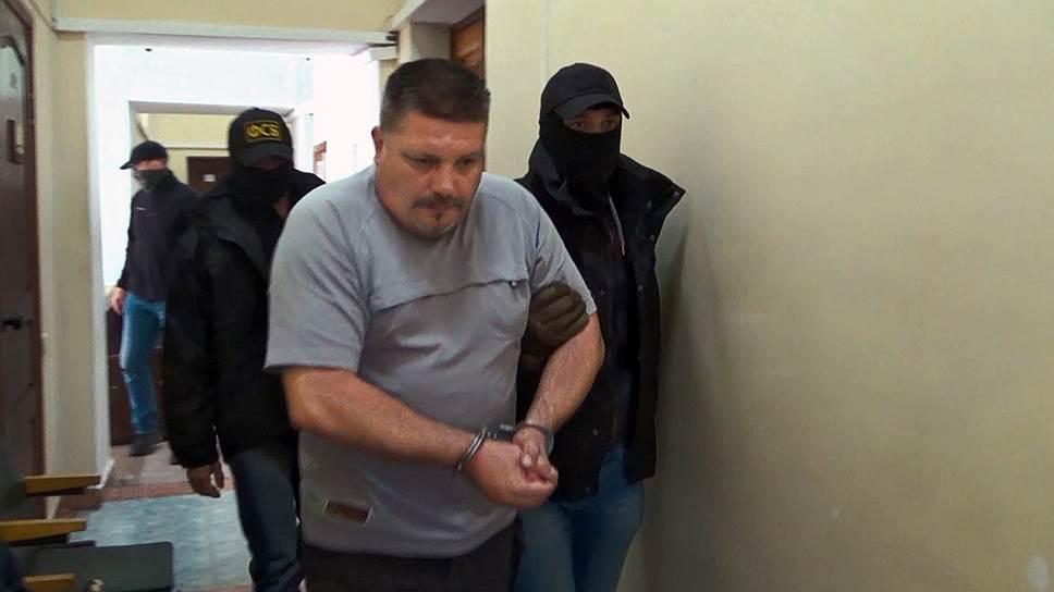 Осужденный Дмитрий Штыбликов (второй справа)