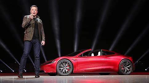 Tesla обновила автопарк // Компания представила электрогрузовик Semi и электроспорткар Roadster