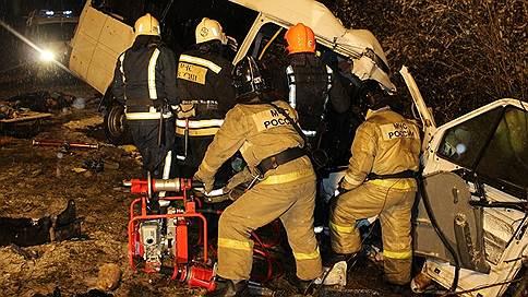 Автобус вылетел со встречной полосы // Причиной аварии в Марий Эл с 15 погибшими могла стать ошибка водителя