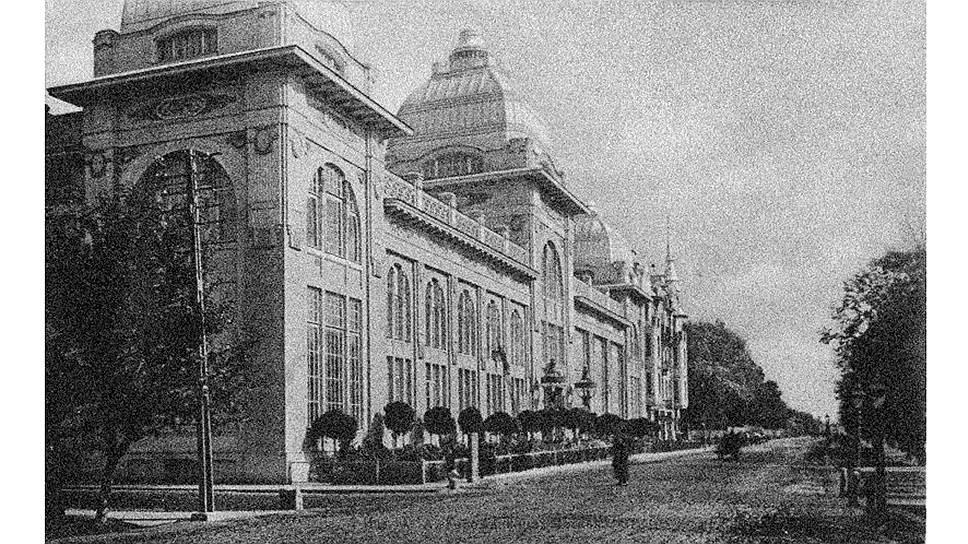 Ресторан «Яръ» к началу XX века был широко известен как место сбора российской элиты: купцы, банкиры, поэты и писатели ели, пили и вели беседы под аккомпанемент цыганской музыки