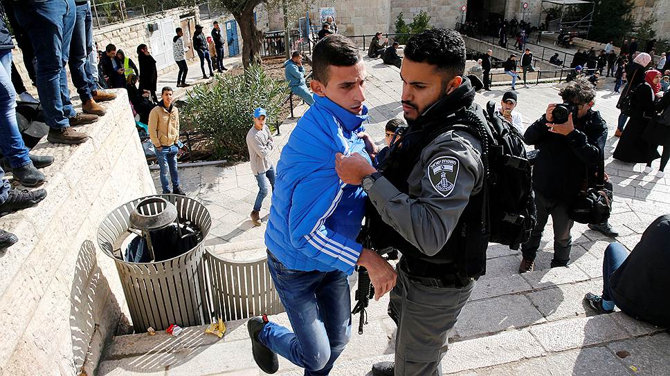 Акция протеста палестинцев у Дамасских ворот в Старом городе Иерусалима