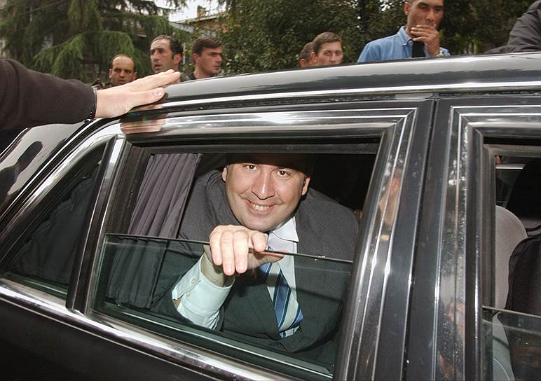 25 января 2004 года Михаил Саакашвили занял пост президента Грузии. На выборах 4 января за него проголосовали 96,27% избирателей