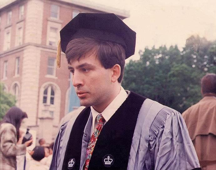 Михаил Саакашвили родился 21 декабря 1967 года в Тбилиси. В 1992 году окончил Институт международных отношений Киевского национального университета им. Тараса Шевченко по специальности «международное право». Учился в США, Италии и Нидерландах