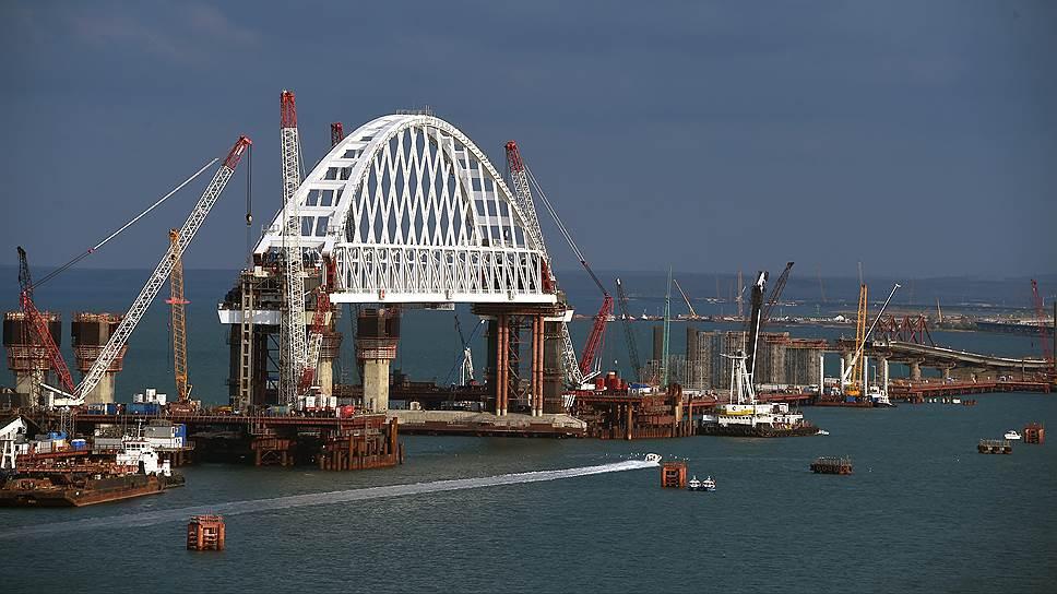 Почему к Крымскому мосту подойти не удается