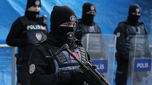 «Авторитета» застрелили у стамбульского ресторана // Криминальные разборки докатились до Турции