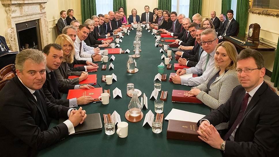Встреча Терезы Мэй с Кабинетом министров 9 января 2018 года