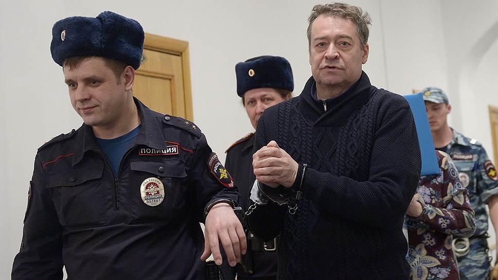 Как Леониду Маркелову завели дело о незаконном хранении оружия и боеприпасов