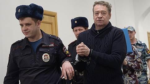 Бывшему главе Марий Эл добавили статью  / В отношении Леонида Маркелова возбуждено дело о незаконном хранении оружия и боеприпасов