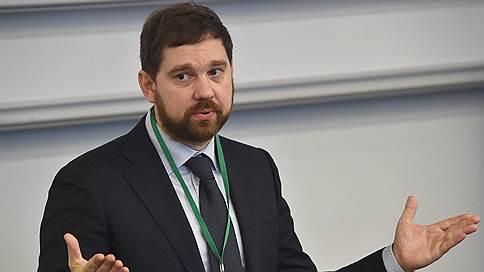 Главе ФАДН тяжело работать со скромным бюджетом и небольшим штатом // В ЛДПР и КПРФ предлагают преобразовать агентство в министерство